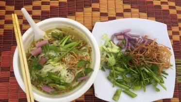 Private Phnom Penh: Street Food by Night