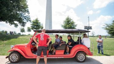 Private Washington: Monuments by Electric Car & Smithsonian Art Tour