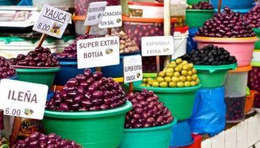 San Camilo Market Day Tour in Arequipa