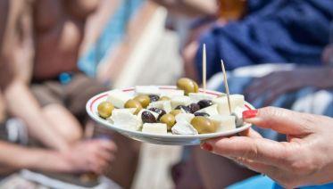 Santorini Walk, Drink, Eat Sunset tour
