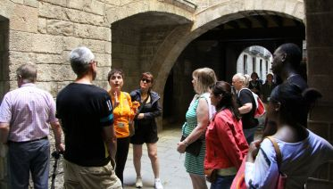 Skip-The-Line: Picasso & The Gothic Quarter Walking Tour