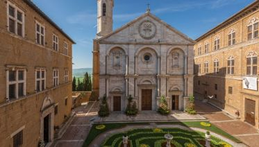 Small Group Pienza and Montepulciano from Siena