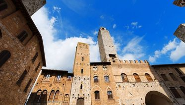 Small Group San Gimignano and Volterra Tour from Siena