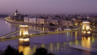 Sunset Cocktail Cruise In Budapest