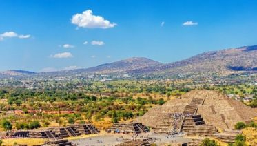Teotihuacan Day-Trip & Dinner with the Locals