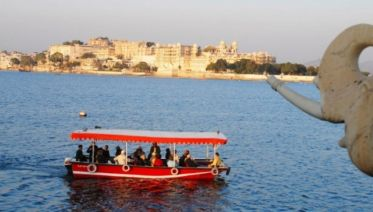 Udaipur Lake Pichola Sunset Boat Ride