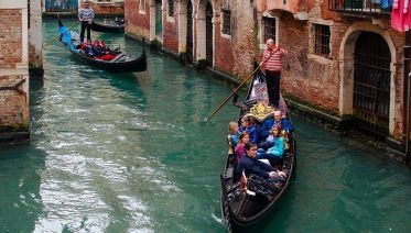 Venice Walking Tour & Gondola Ride