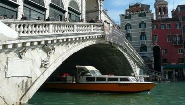 Venice Walking Tour from St Marks Square to Rialto Bridge