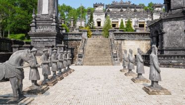 Vietnam: Villages & Backroads