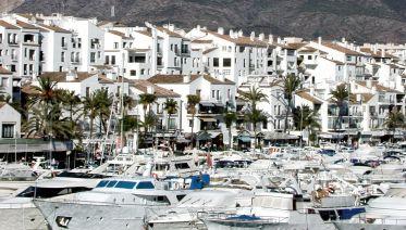 Visit Marbella & Puerto Banús From Malaga