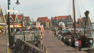 Volendam, Edam & Marken Private Tour by Public Transport