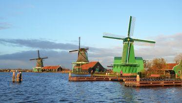 Volendam, Edam, Windmills and A'dam Lookout