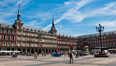 Walking Tour Of Hapsburgs Madrid & Royal Palace