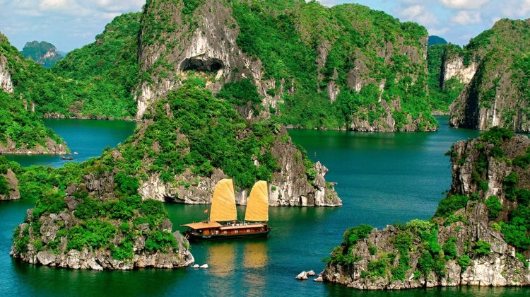 10-Day Complete Vietnam from Ho Chi Minh city to Hanoi