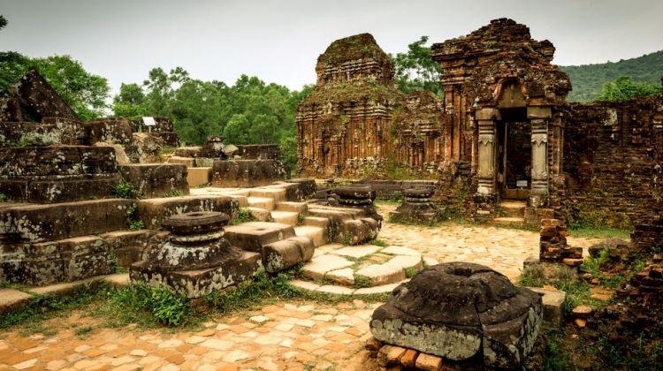 14-Day Vietnam & Cambodia Tour from Hanoi to Siem Reap