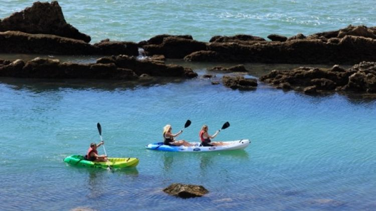 2h30 hours Kayaking and Coastline Tour