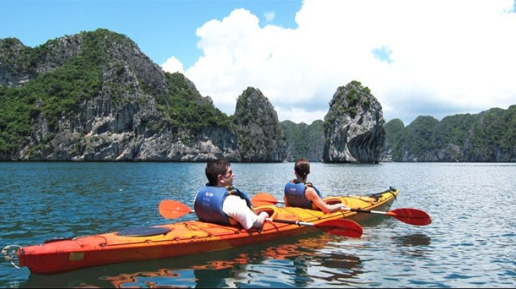 3 Day Kayaking and Cooking Class Cruise on Halong Bay