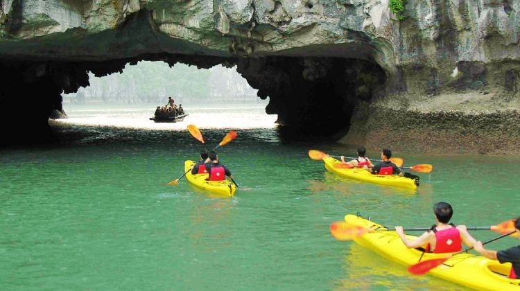 3 Day  to Halong Bay - Monkey Island Resort Group tour