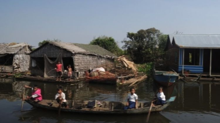 3 Hours Floating Village Tour