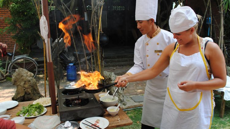 5 Hours Vietnamese Cooking Class in HoChiMinh