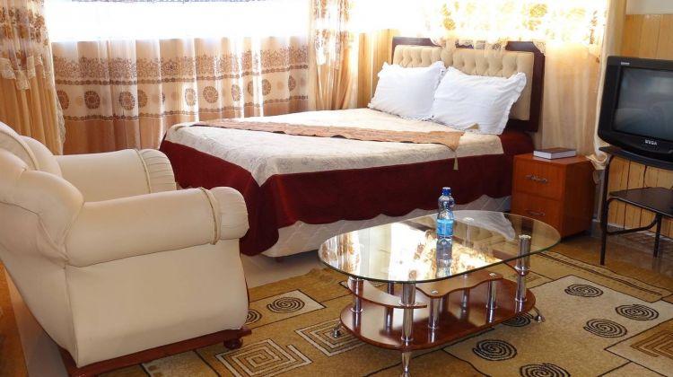 6-Day Masai Mara, Lake Nakuru and Amboseli Budget Safari