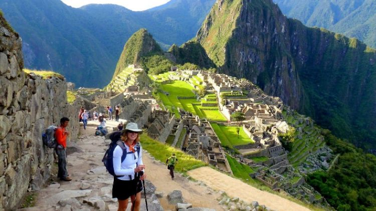 7-day-classic-inca-trail-trek-to-machu-p