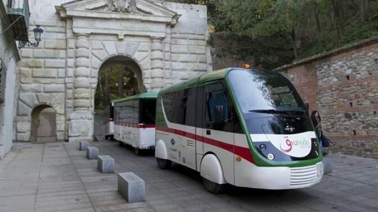 Alhambra + Granada City Tour With Sightseeing Train