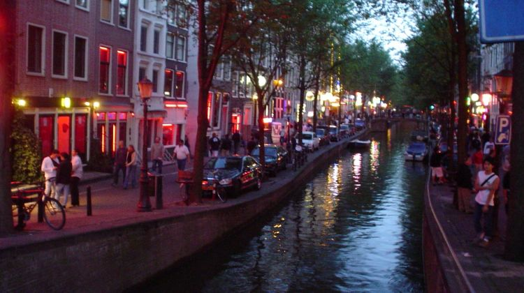 Amsterdam's Red Light District & 3-Course Dutch Dinner