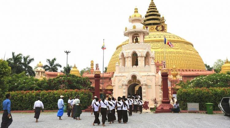 Ancient Cities, Pagodas, and Sunset Tour
