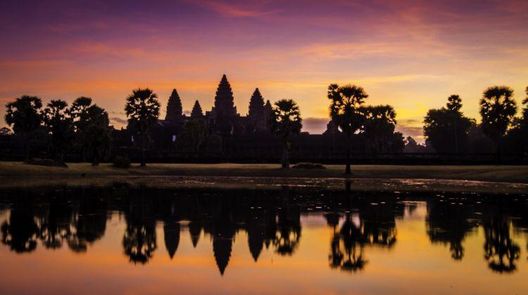 angkor wat sunrise tour small group by v happy travel bookmundi