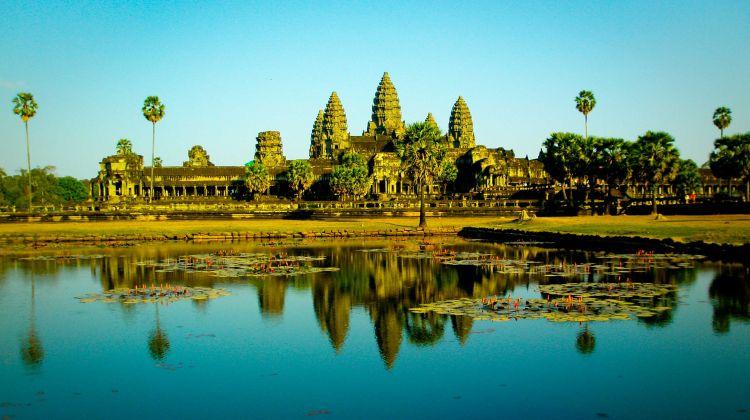Angkor Wat Tour - Balloon Ride - Khmer Dinner