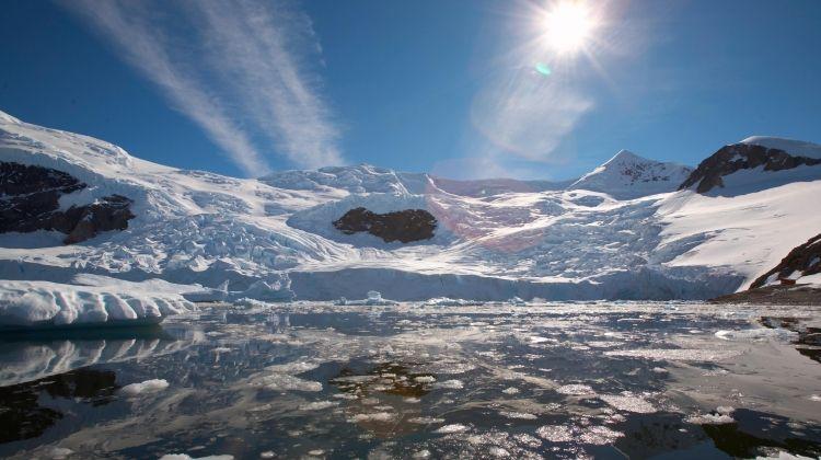Antarctic Express - Fly the Drake from Punta Arenas