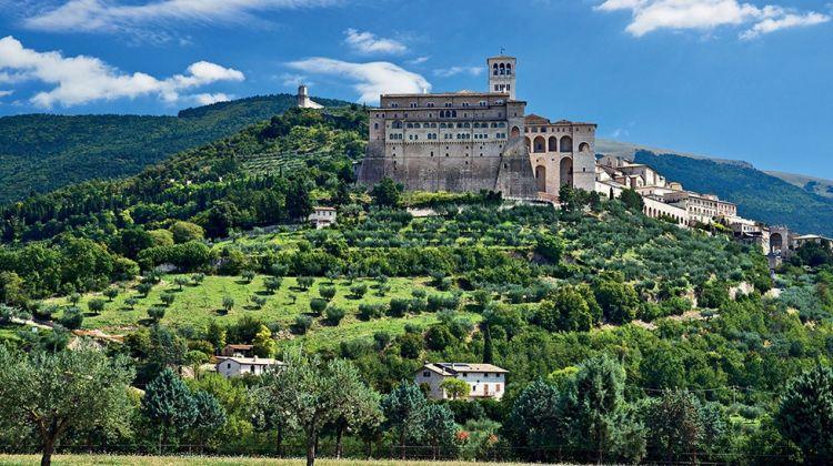 Assisi, Cortona & Perugia Tour from Siena