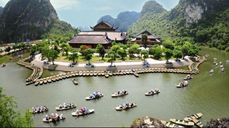 Bai dinh and trang an eco joining tour