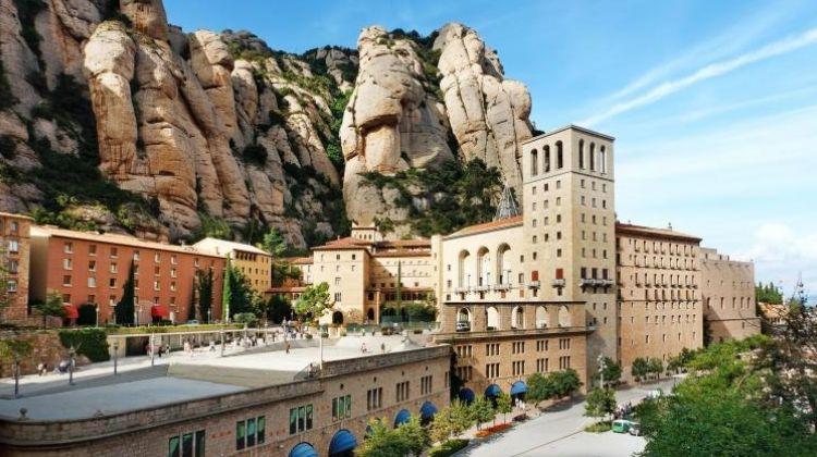 Barcelona + Montserrat Full Day Tour