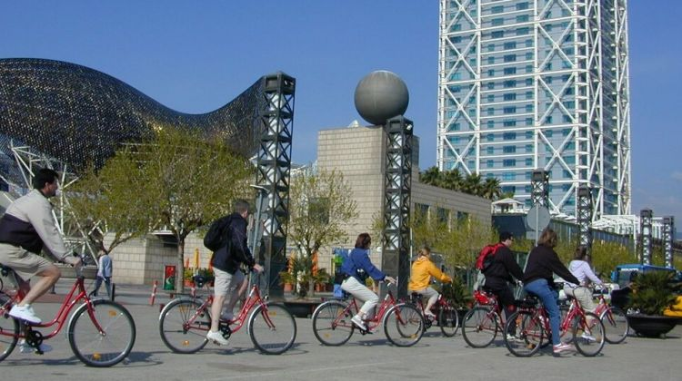 Barcelona Sightseeing by Bicycle