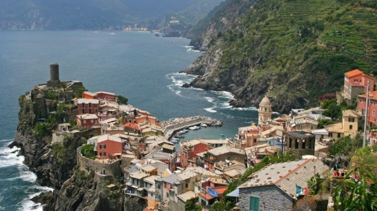 Best of Cinque Terre Tour With Authentic Lunch