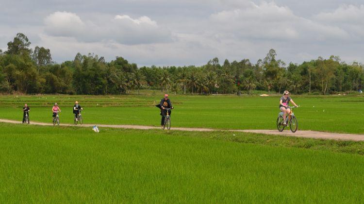 Bicycling Adventure in Traditionel Vietnam
