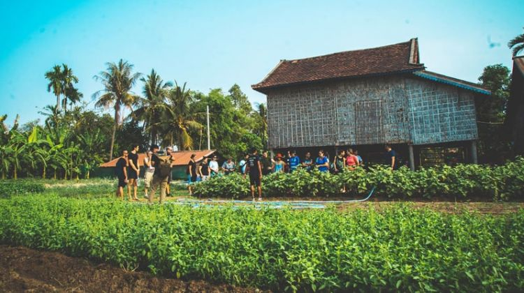 Biking, Food Tour and Floating Village Discovery