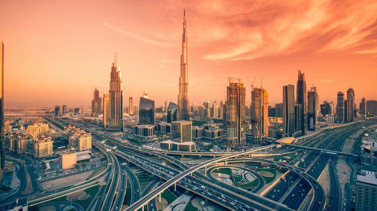 Burj Khalifa Ticket 124th Floor with Transfers From Dubai