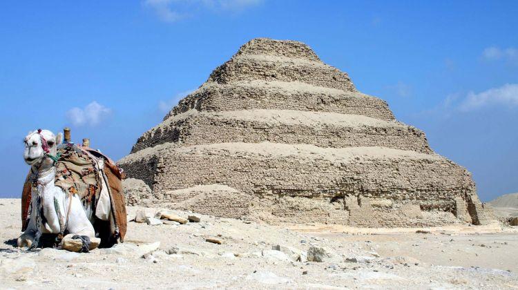 Cairo layover tour to Giza and Sakkara