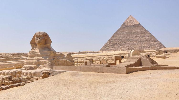 Cairo Layover Tour to Giza Pyramids and Egyptian Museum