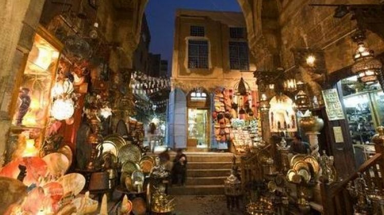 Cairo Short layover tour to Giza Pyramids & Bazaar