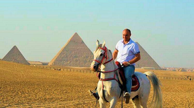 Camel or Horse Ride around Pyramids of Giza