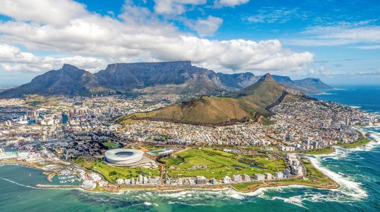 Cape Town,Table Mountain & Robben Island Tour