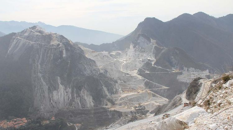 Carrara Marble Quarries, Pisa & Lucca Tour from Siena
