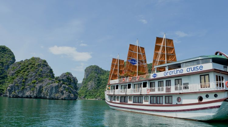 Catch a glimpse of halong bay with gray line