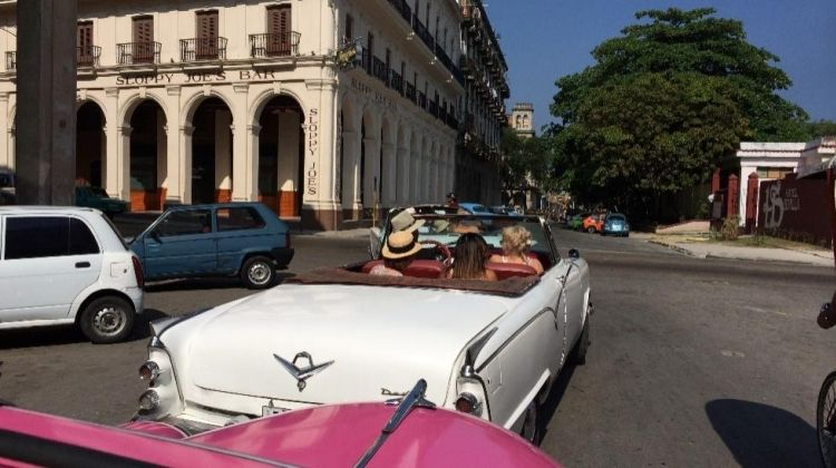 Classic 50's American convertible tour of Havana