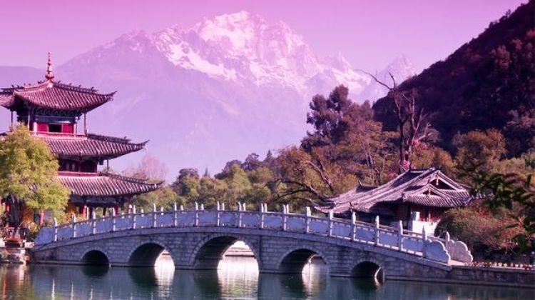 Classic Hong Kong to Beijing Adventure