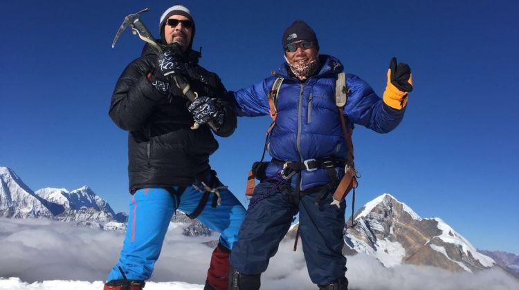 Climb Chulu West Peak